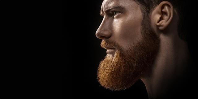 Étapes de la greffe de barbe et de moustache