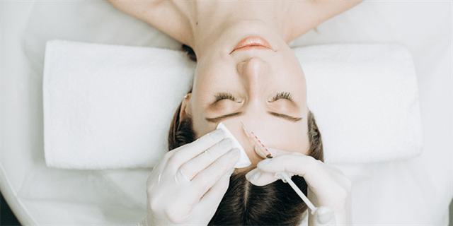What are the post-operative instructions for an eyelid lift?
