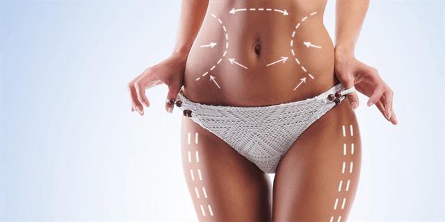 L'opération est réalisée en insérant des microtubules appelés canules ou flacons sous la peau